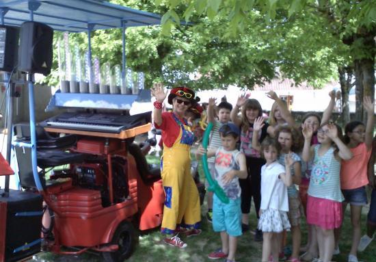 Autolaveuse groupe enfants